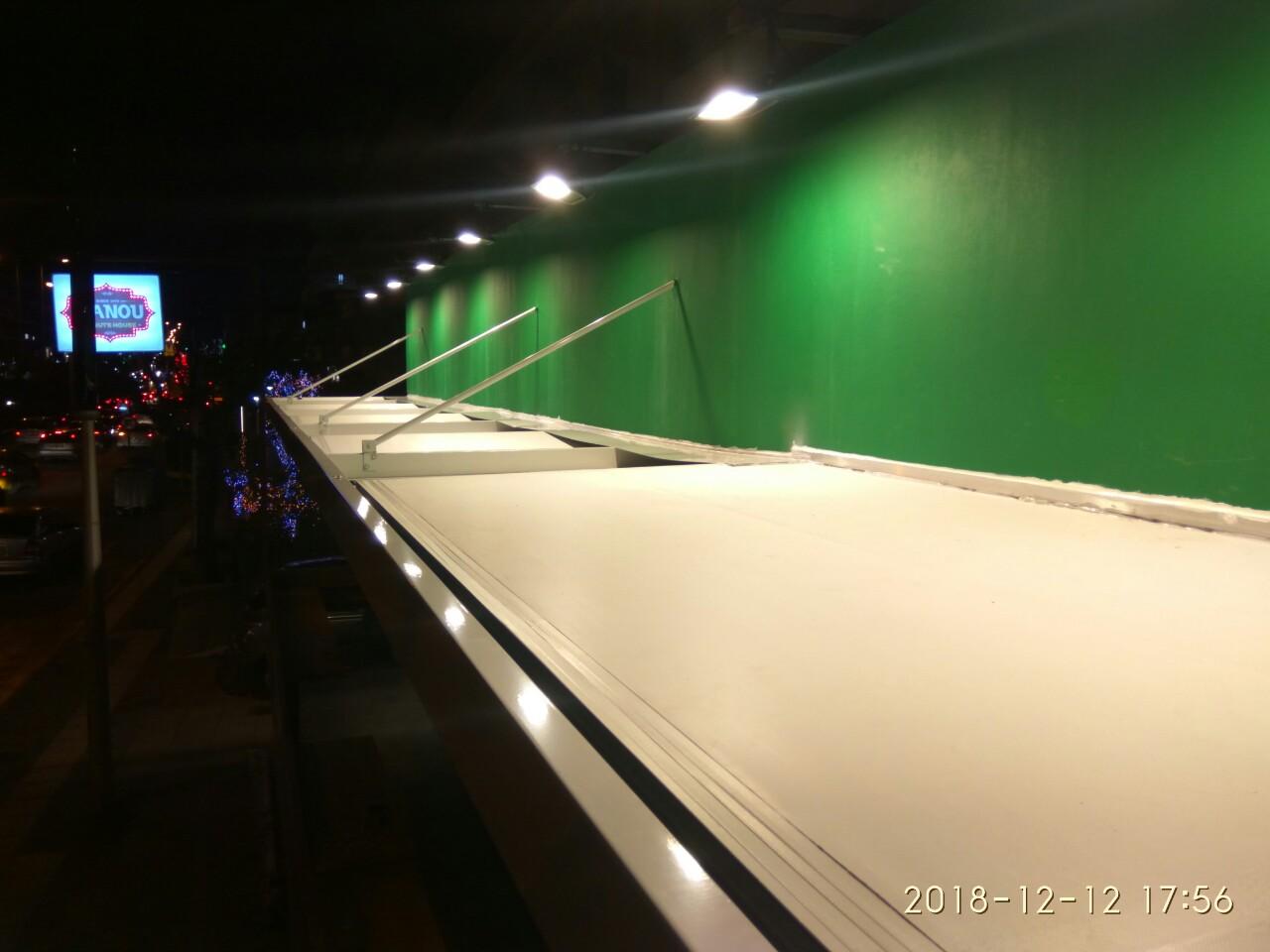 Στέγαστρο στο κατάστημα της Pizza Fan στο Γαλάτσι | Tentagon