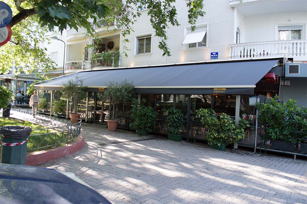Τέντες στο καφέ Select στην Αθήνα