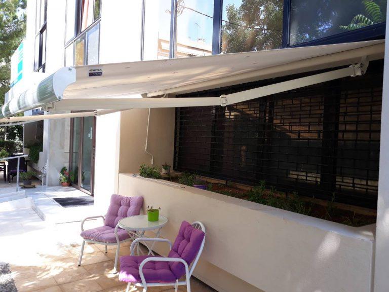 Tέντες με βραχίονες σε κατοικία στον Γέρακα | Tentagon